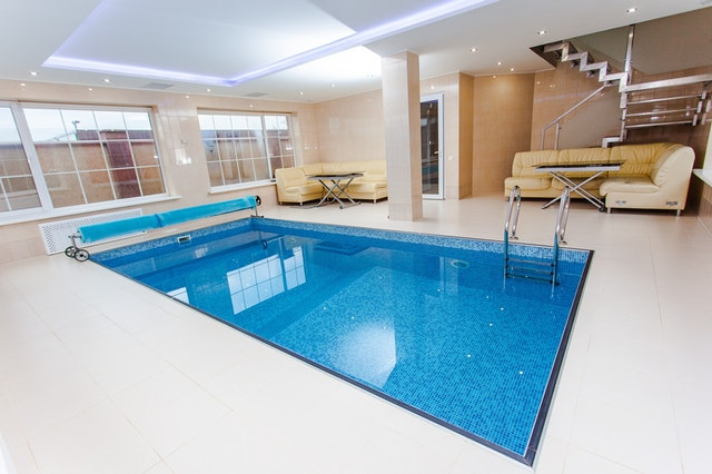 Controlar la piscina con domótica de Loxone | Ensaco